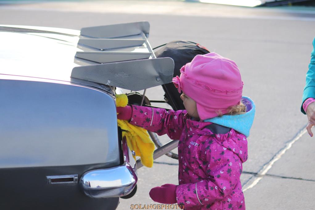 Croyez le ou non, l'accélération automobile est un sport familiale! Toute la famille participe! :) © Solange Lefebvre