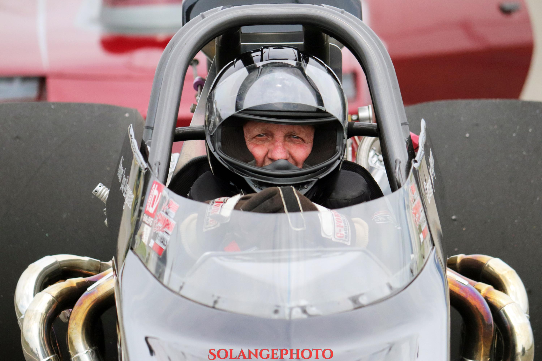 Le vétéran coureur est toujours actif avec plus de 50 ans d'expérience derrière le volant. © Solange Lefebvre